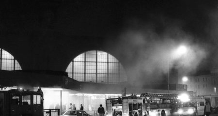 Feuerkatastrophe im Bahnhof King's Cross St. Pancras - Christopher Newberry [CC BY-SA 3.0]- via