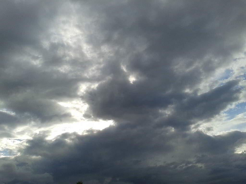 Die gleiche Wolkenformation, Minuten später - (C) Henning Uhle