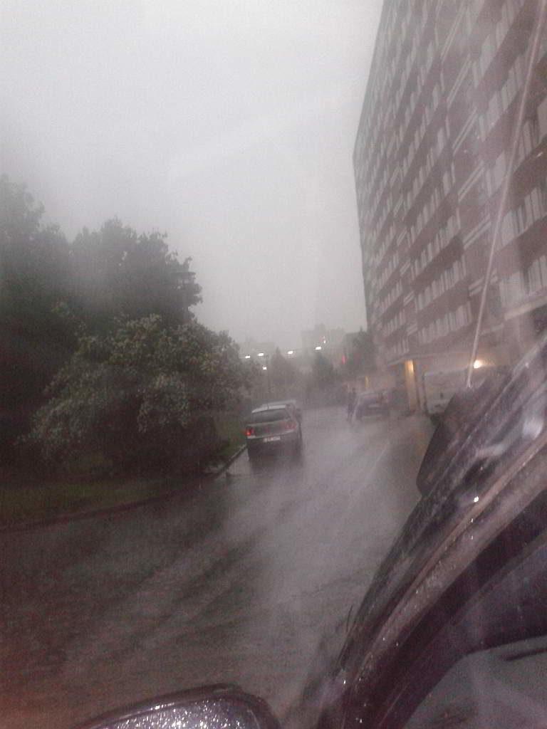 Leipzig Grünau, 30.06.2013 gegen 18:50 Uhr mit Blick in Richtung Allee Center - (C) Henning Uhle