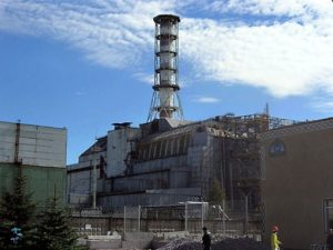 Reaktor Nr. 4 in Tschernobyl im September 2006 - (C) By Carl Montgomery (Flickr) [CC-BY-2.0], via Wikimedia Commons