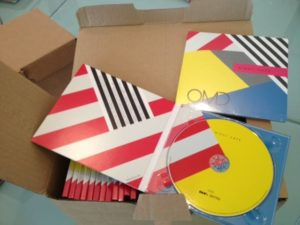 "CD-Paket ""Night Café"" - (C) Orchestral Manoeuvres In The Dark / 100% Records"