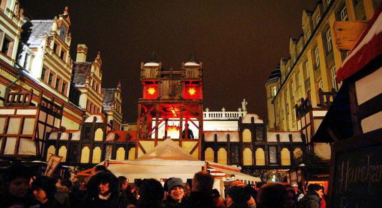 Alljährlicher Trubel auf dem Weihnachtsmarkt Alt-Leipzig am Naschmarkt - mit freundlicher Genehmigung von Andreas Schmidt / Leipziger Touristik- und Marketing GmbH
