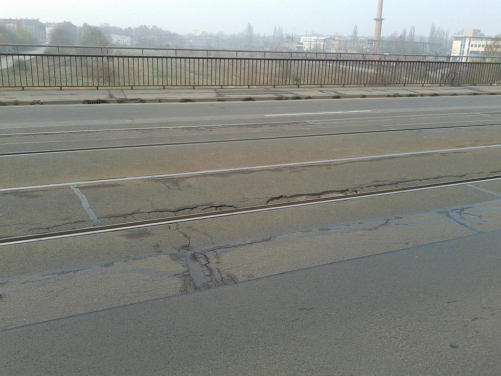 Leipzig, Antonienbrücke - Schäden im Gleisbereich - Henning Uhle