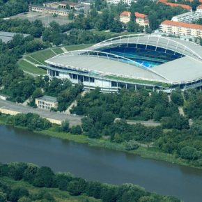 Red Bull Arena in Leipzig von oben - By Philipp (Flickr: Leipzig von oben: Zentralstadion) [CC-BY-2.0 (http://creativecommons.org/licenses/by/2.0)], via Wikimedia Commons