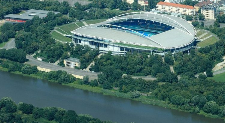Red Bull Arena in Leipzig von oben - By Philipp (Flickr: Leipzig von oben: Zentralstadion) [CC-BY-2.0 (//creativecommons.org/licenses/by/2.0)], via Wikimedia Commons