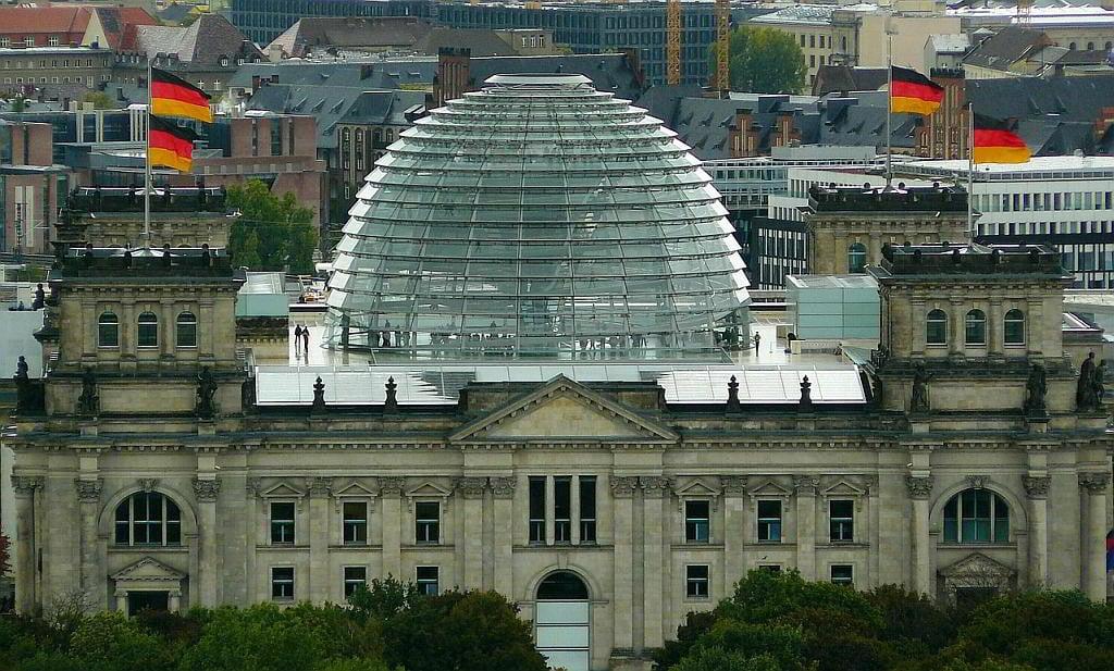 Bundestag - (C) cocoparisienne CC0 via Pixabay.de