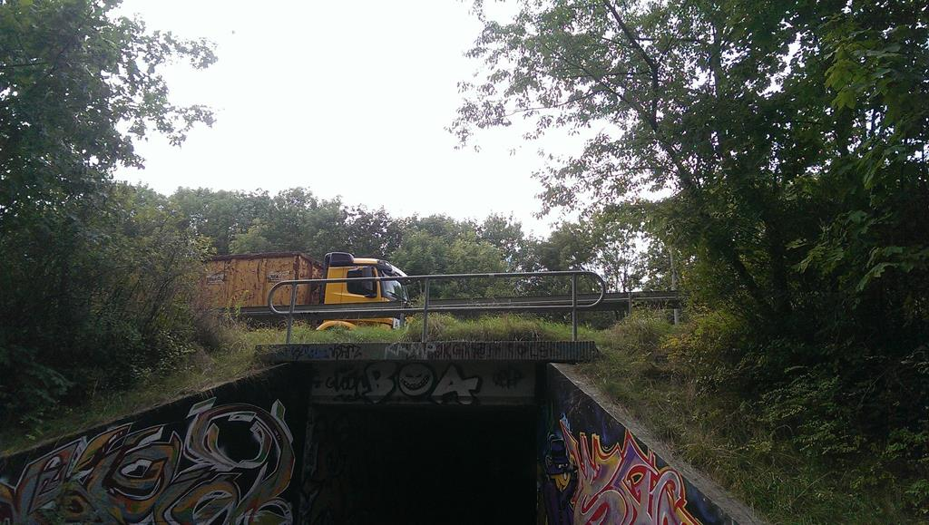Das Ende der Pferdeschwemme mit dem Durchgang unter der Abfahrt Connewitz der B2 - Henning Uhle