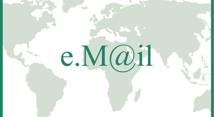 Email - Grafik by Prawny via Pixabay