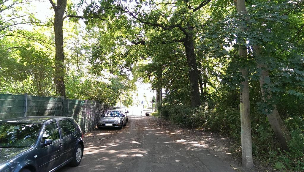 Parkmöglichkeit am Volksgarten - Henning Uhle