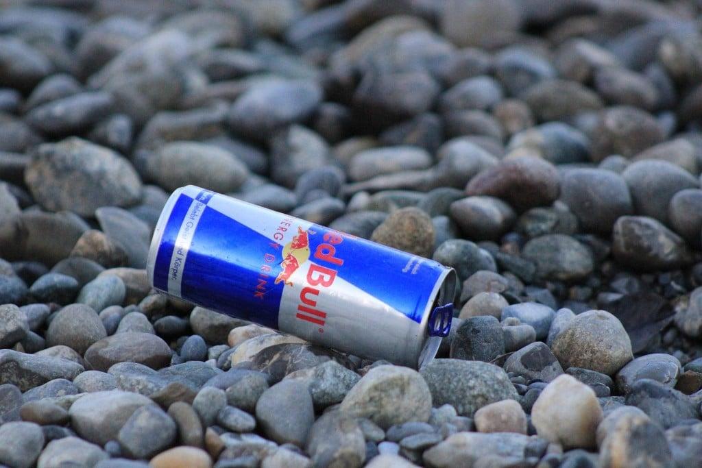 Eine Dose Red Bull - (C) sterntaler62 / pixelio.de