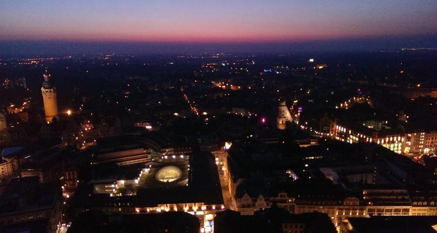 Leipzigs Sonnenunntergang vom Uniriesen aus - Henning Uhle