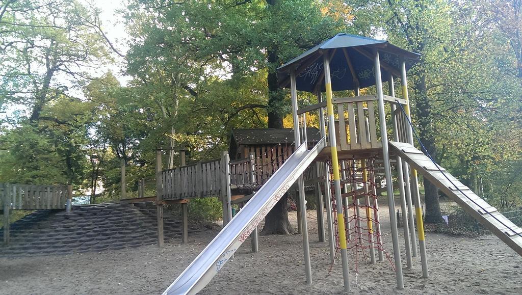 Klettergerüst im Clara-Park - Henning Uhle