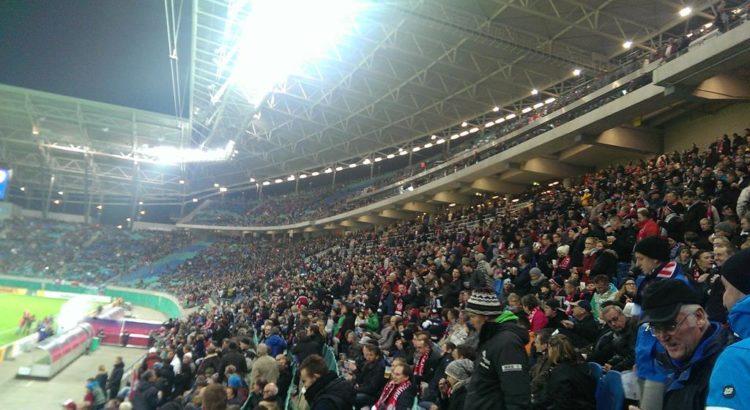 Die Fans in der Red Bull Arena - Henning Uhle