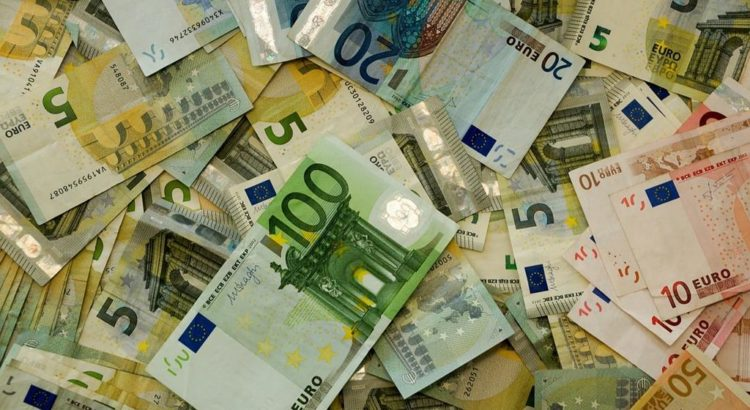 Geld über Geld - (C) Taken CC0 via Pixabay.de