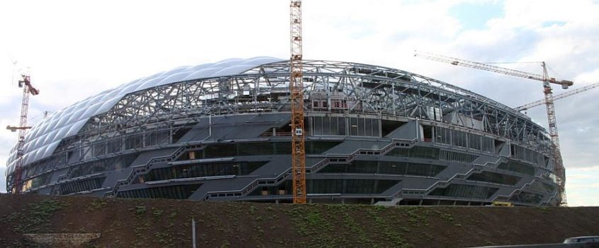 Baustelle Allianz-Arena, München - Lizenziert unter CC BY-SA 3.0 über Wikimedia Commons - http://commons.wikimedia.org/wiki/File:Allianzarena_bau.jpg#/media/File:Allianzarena_bau.jpg