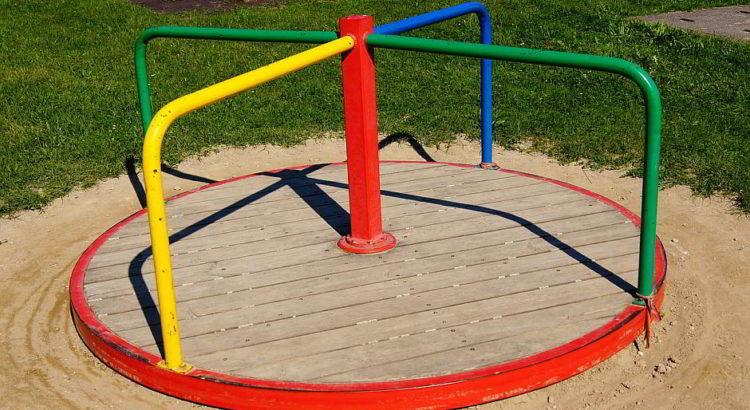 Kinderkarussell - (C) derRenner CC0 via Pixabay.de