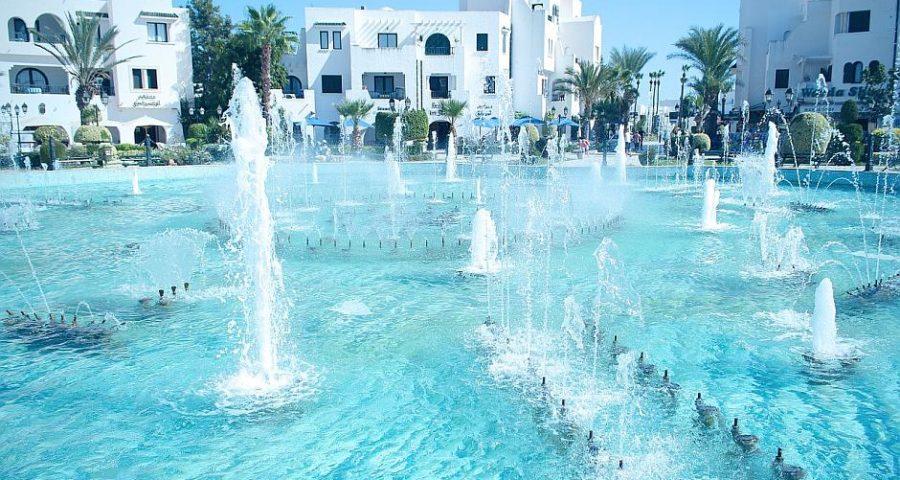 Pool-Anlage in einem Hotel in Sousse, Tunesien - (C) vk_photo CC0 via Pixabay.de