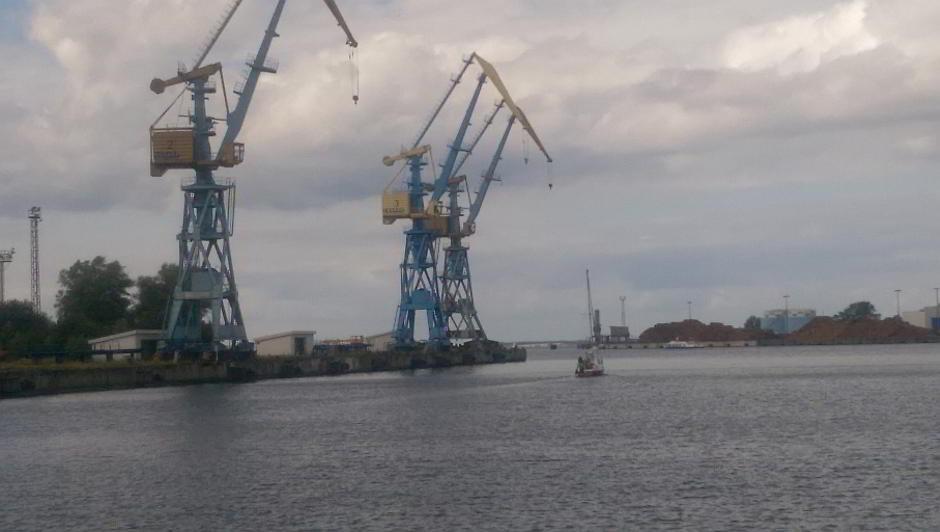 Alte Krananlagen vom alten Hafen