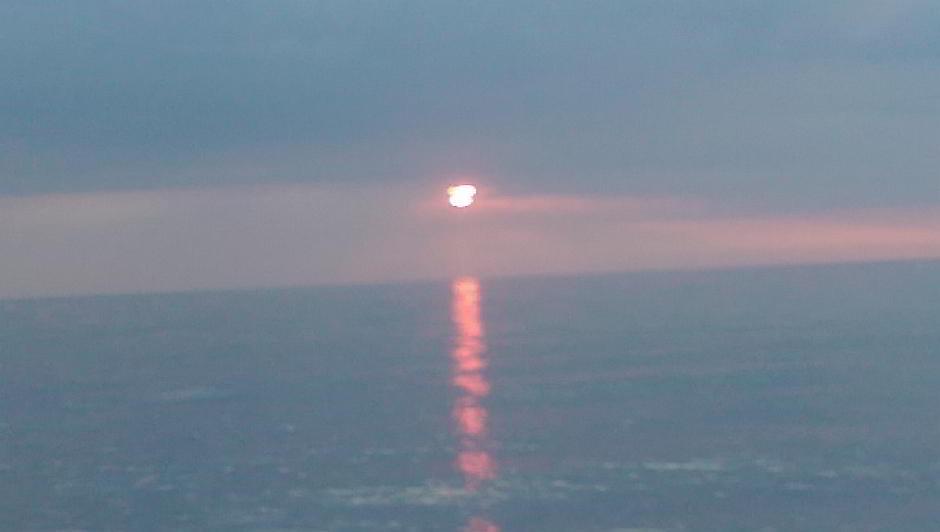 Sonnenuntergang über der Ostsee, fotografiert mit letztem Akku am Strand von Kägsdorf