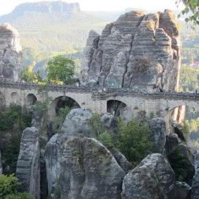 Das Elbsandsteingebirge: Die Bastei - (C) Ronile CC0 via Pixabay.de