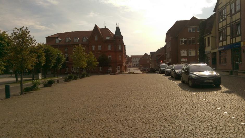Vom Markt Lübz in Richtung Hotel Eldenburg
