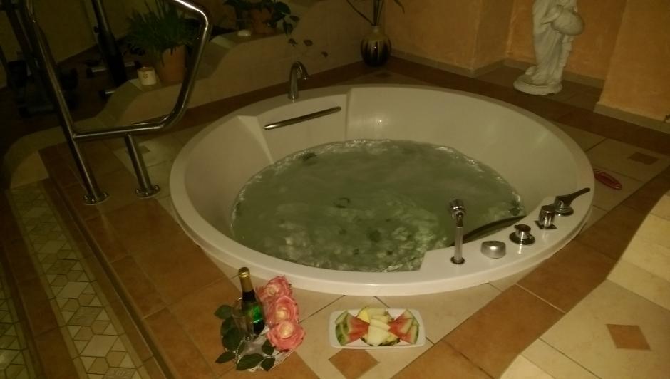 Whirlpool im Wellness-Bereich des Hotels Eldenburg