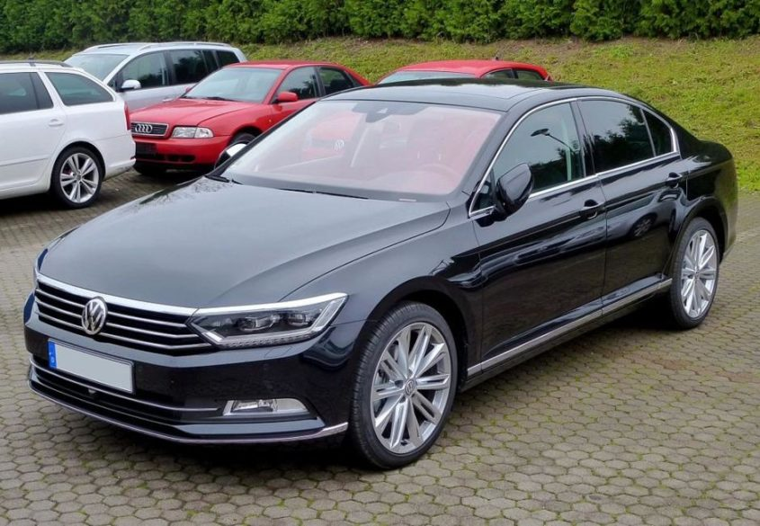 VW Passat B8 Limousine 2.0 TDI Highline - By TD (Own work) [CC BY-SA 3.0 (http://creativecommons.org/licenses/by-sa/3.0)], via Wikimedia Commons