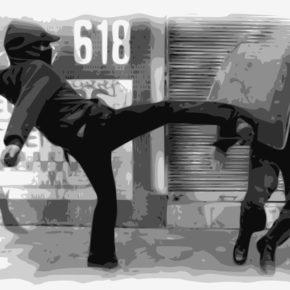 Anarchie: Angriff auf Polizisten - (C) OpenClipartVectors CC0 via Pixabay.de