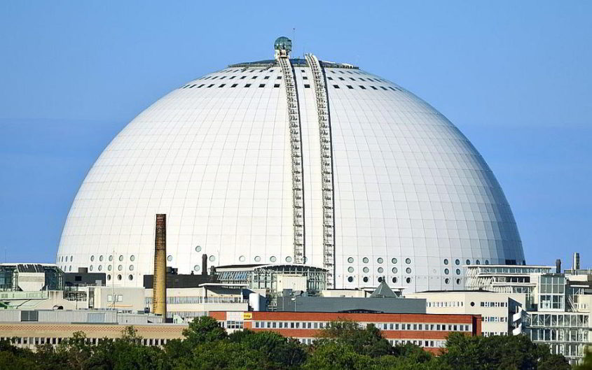 Der Ericsson Globe in Stockholm als Austragungsort des Eurovision Song Contest 2016 - Johan Fredriksson [CC BY-SA 3.0 (http://creativecommons.org/licenses/by-sa/3.0)], via Wikimedia Commons
