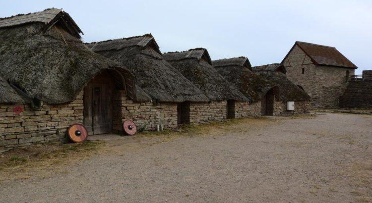 Alte Häuser in einem Dorf - (C) MAKY_OREL CC0 via Pixabay.de