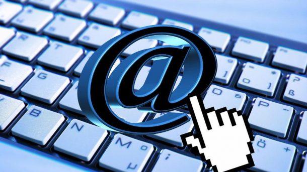 Email, Web und soziale Netzwerke halten oft nur ab - (C) Geralt Altmann CC0 via Pixabay.de