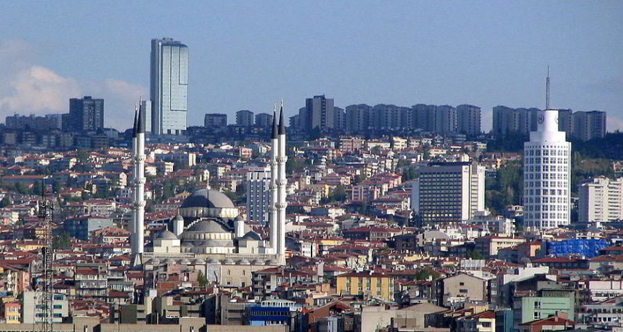 Blick über Ankara - By Winstonza (Own work) [CC BY-SA 3.0 (http://creativecommons.org/licenses/by-sa/3.0)], via Wikimedia Commons