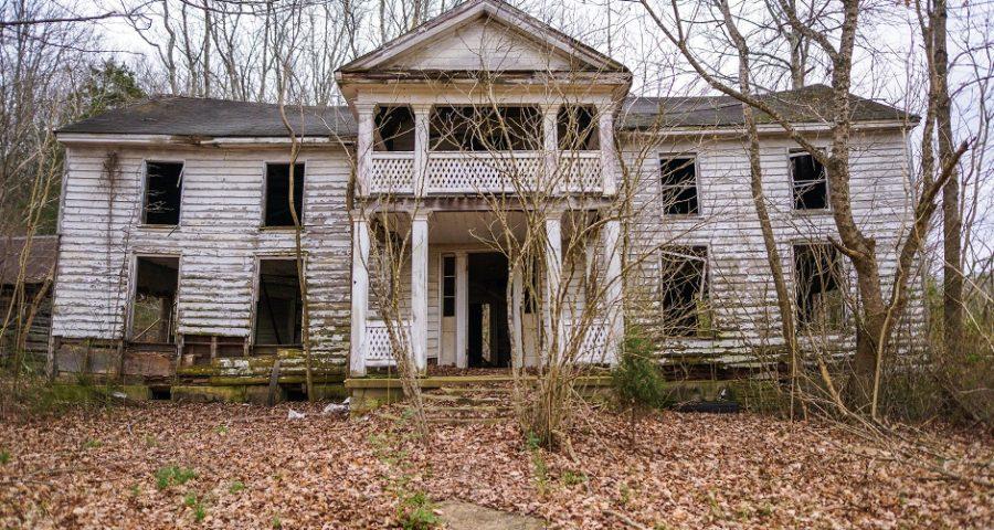 Ein verfallenes Haus - (C) ranbud - free picture via morguefile.com