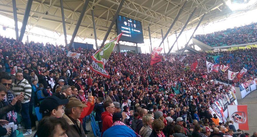 Fans von RB Leipzig bei einem Heimspiel