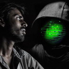 Hacker next to you - (C) Geralt Altmann CC0 via Pixabay.de
