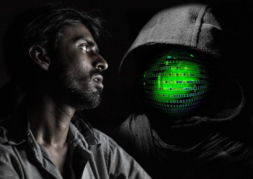 Hacker next to you - (C) Geralt Altmann CC0 via Pixabay.de