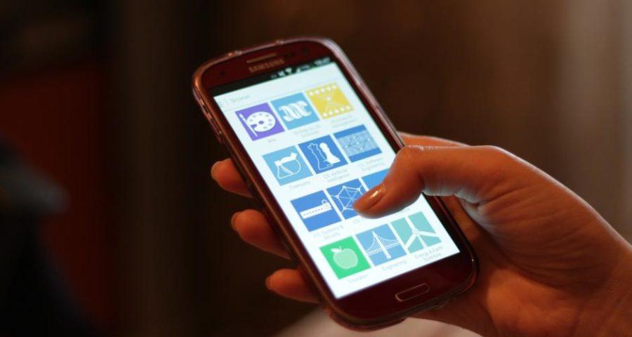 Das Smartphone für den Smombie - (C) bohed CC0 via Pixabay.de