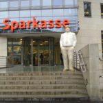 Sparkasse: Kunden sollen pro Klick bezahlen
