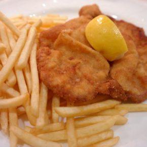 Wiener Schnitzel mit Pommes Frites - (C) Hans CC0 via Pixabay.de
