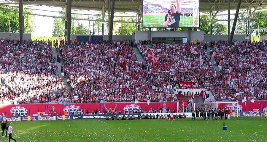 Fans von RB Leipzig in der Red Bull Arena, Leipzig, nach dem Aufstieg in die 1. Bundesliga - (C) Enrico Leipzig via Youtube.com