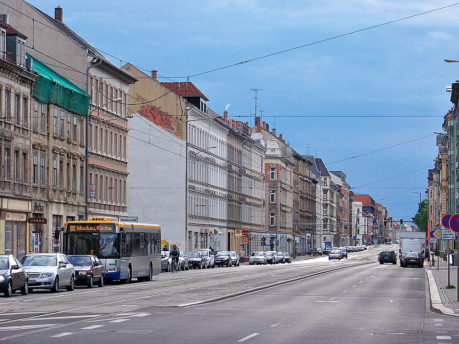 Leipzig, Georg-Schumann-Strasse - By Joeb07 (Johannes Kazah) (Own work) [GFDL (http://www.gnu.org/copyleft/fdl.html) or CC BY 3.0 (http://creativecommons.org/licenses/by/3.0)], via Wikimedia Commons