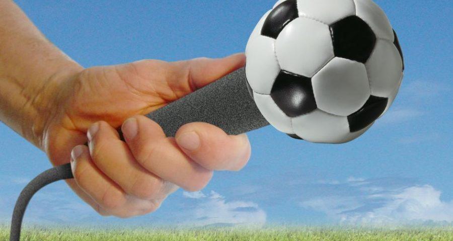 Interview mit einem Fußball-Kommentator - (C) bigblockbobber CC0 via Pixabay.de