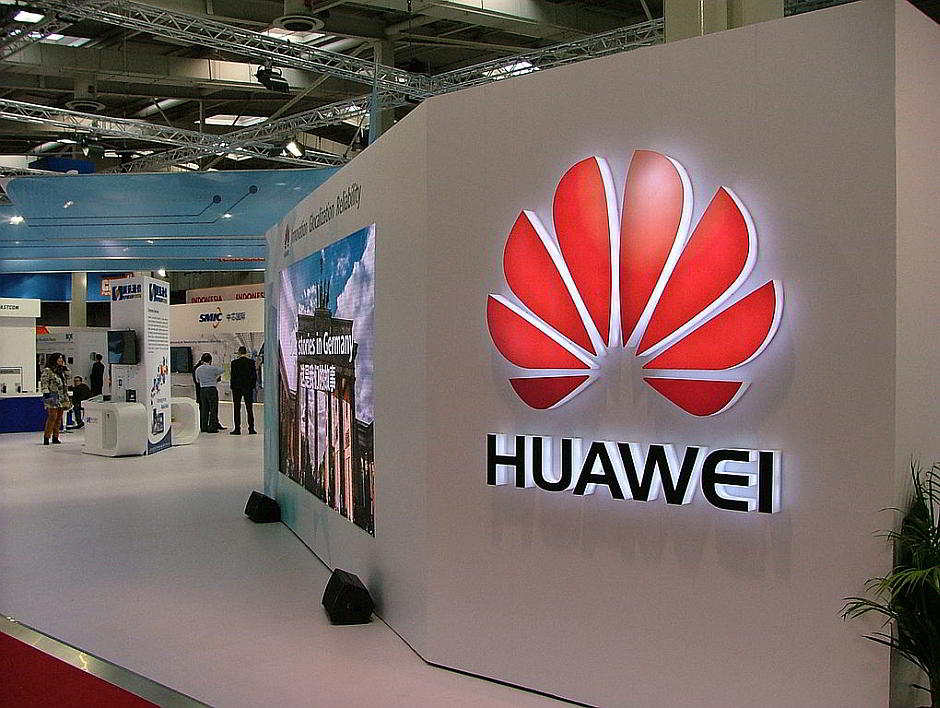 Huawei auf der CeBIT 2015 in Hannover - von Olaf Kosinsky (Eigenes Werk) [CC BY-SA 3.0 de (http://creativecommons.org/licenses/by-sa/3.0/de/deed.en)], via Wikimedia Commons