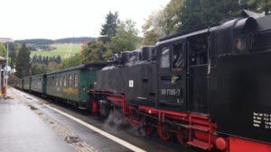 Die Fichtelberg-Bahn im Bahnhof Kurort Oberwiesenthal
