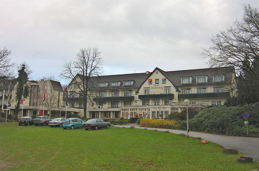 Hotel de Bilderberg, Oosterbeek - By Michiel1972 (Own work) [GFDL (http://www.gnu.org/copyleft/fdl.html) or CC BY-SA 4.0-3.0-2.5-2.0-1.0 (http://creativecommons.org/licenses/by-sa/4.0-3.0-2.5-2.0-1.0)], via Wikimedia Commons