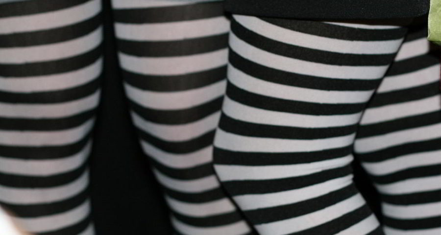 GestreifteLeggings - by Eliya (Flickr: Striped Leggings) [CC BY 2.0 (http://creativecommons.org/licenses/by/2.0)]