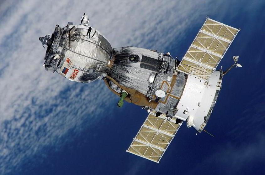 Satellit - (C) WikiImages CC0 via Pixabay.de