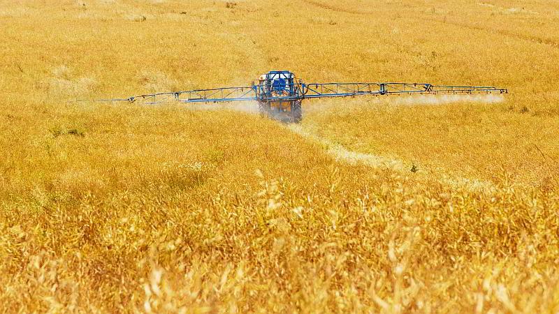 Landwirtschaft - (C) PublicDomainPictures CC0 via Pixabay.de https://pixabay.com/de/landwirtschaft-chemische-ernte-89168/