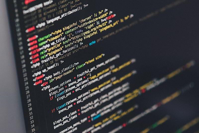 Programmieren - (C) Pexels CC0 via Pixabay.de (https://pixabay.com/de/code-code-editor-codierung-computer-1839406/)