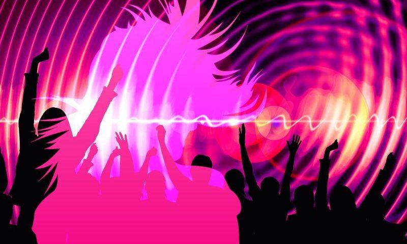 Eurodance - (C) Geralt Altmann CC0 via Pixabay.com - https://pixabay.com/de/silhouette-m%C3%A4dchen-tanz-party-3089943/